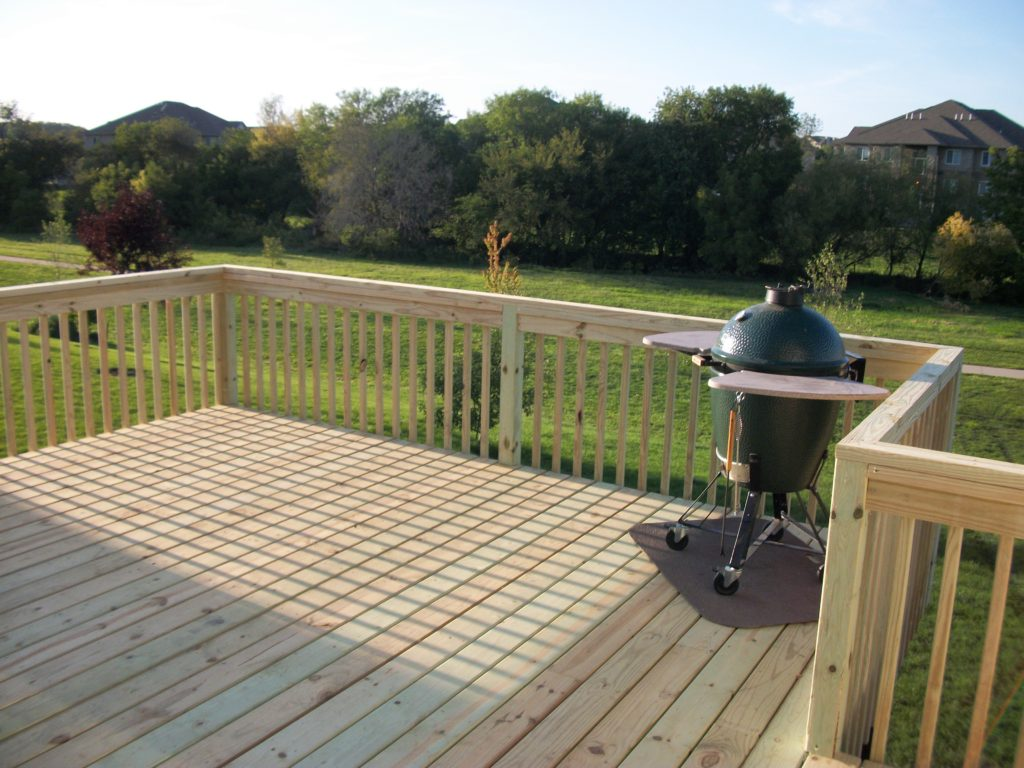 Wood Deck with Grill Bump Out